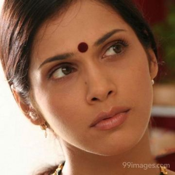 Isha Koppikar Beautiful HD Photos & Mobile Wallpapers, WhatsApp DP (1080p)