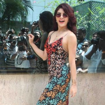 Jacqueline Fernandez Hot HD Photos & Wallpapers for mobile (1080p)