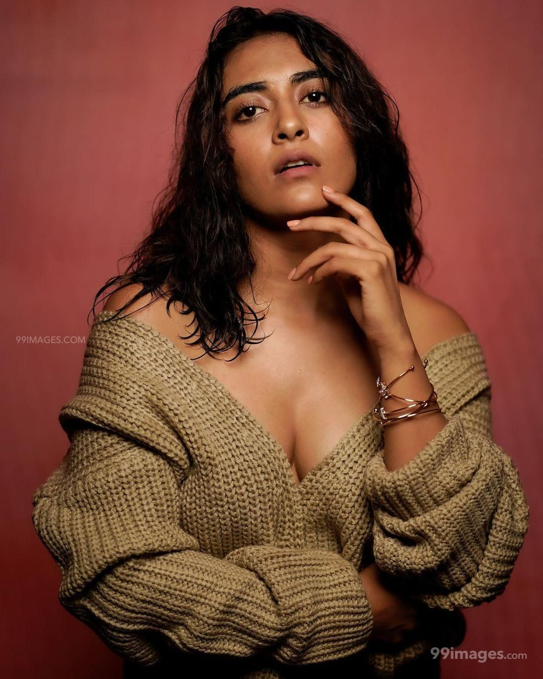 Jinal Joshi Hot Beautiful HD Photoshoot Photos / Wallpapers (1080p)