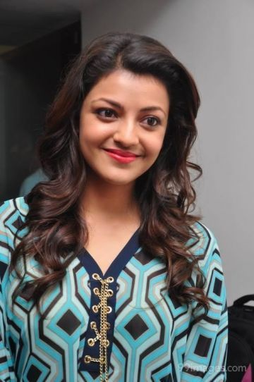 Kajal Agarwal Latest Hot HD Photoshoot Photos / Wallpapers in Saree, WhatsApp DP (1080p)