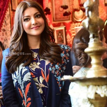 Kajal Agarwalss blue dress photos in HD Quality