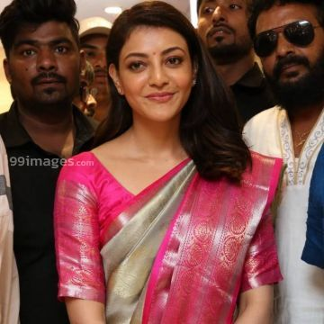 Kajal Agarwals pink silk saree stills in HD (1080p)