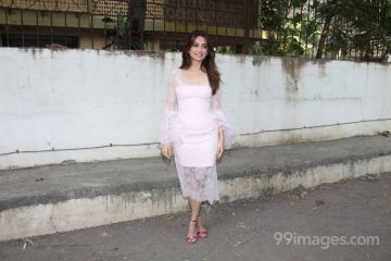 Kriti Kharbanda Hot HD Photos & Mobile Wallpapers (1080p)