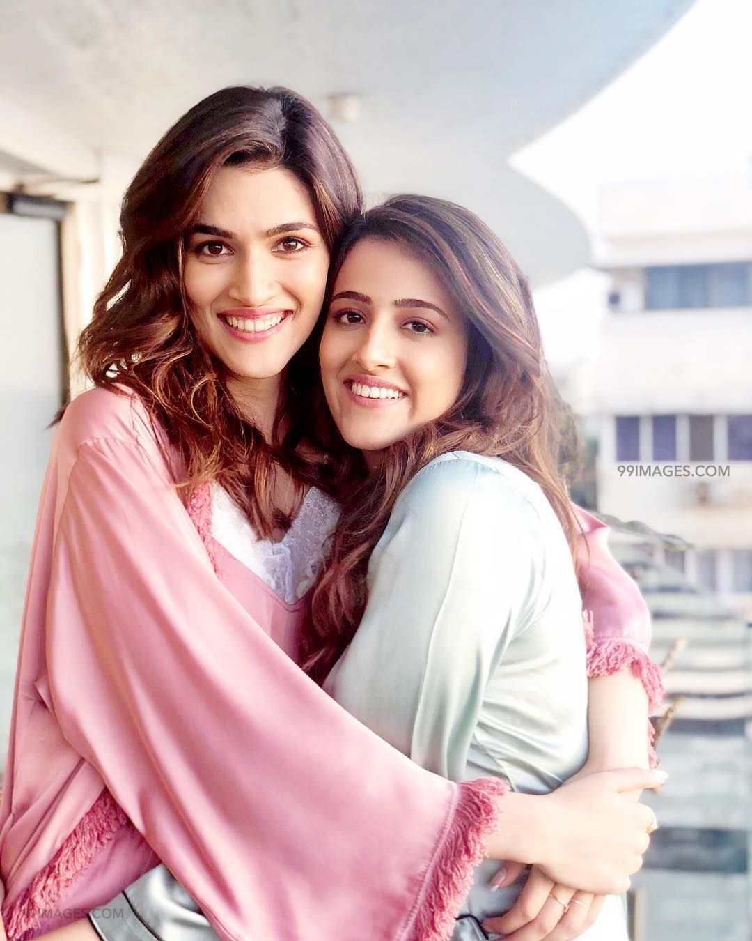 Kriti Sanon Hot HD Photos & Wallpapers for mobile (1080p) (36144) - Kriti Sanon
