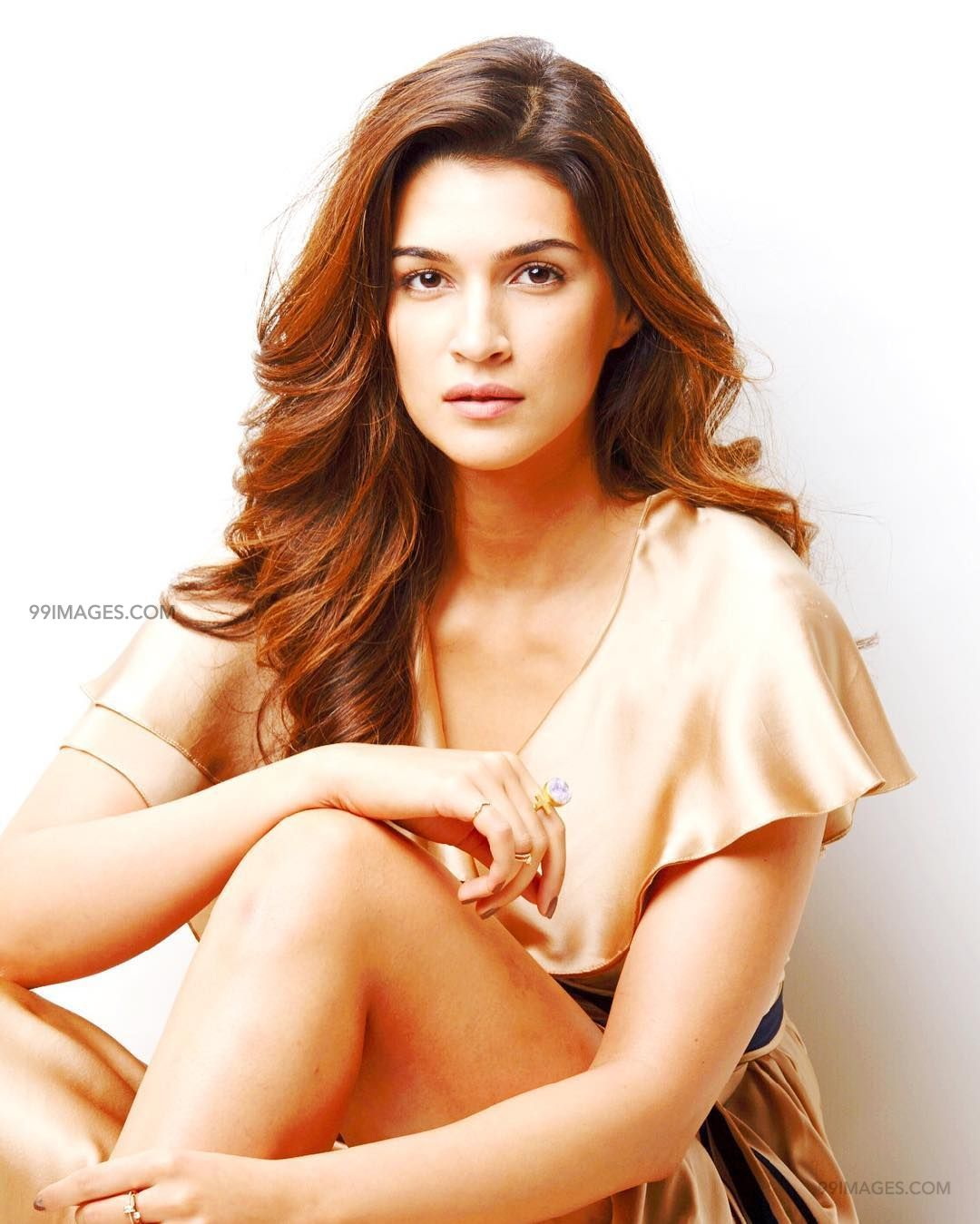 Kriti Sanon Hot HD Photos & Wallpapers for mobile (1080p) (36130) - Kriti Sanon