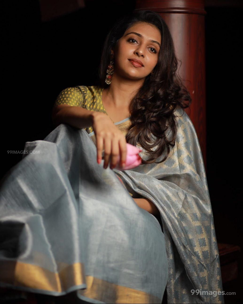 Lakshmi Menon Beautiful HD Photos & Mobile Wallpapers HD (Android/iPhone) (1080p)
