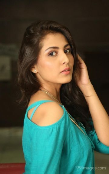 Madhu Shalini Hot HD Photos & Wallpapers for mobile (1080p)