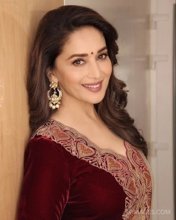 Madhuri Dixit Beautiful HD Photoshoot Stills & Mobile Wallpapers HD (1080p) (madhuri dixit, dancer, singer, producer, television actress, bollywood, hd images)