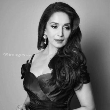 Madhuri Dixit Beautiful HD Photoshoot Stills & Mobile Wallpapers HD (1080p) - #36023
