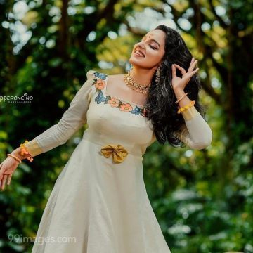 Malavika Menon Hot HD Photos & Wallpapers for mobile Download, WhatsApp DP (1080p)