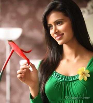Meenakshi Dixit Beautiful Photos & Mobile Wallpapers HD (Android/iPhone) (1080p)