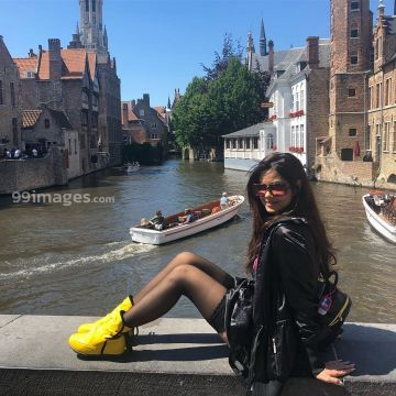 Meera Chopra Beautiful HD Photos & Mobile Wallpapers HD (Android/iPhone) (1080p) - #33999