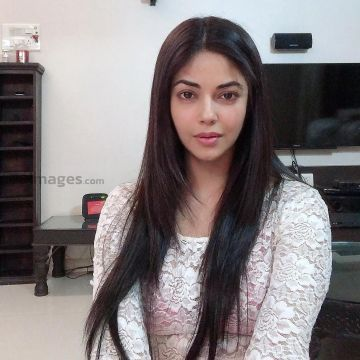 Meera Chopra Beautiful HD Photos & Mobile Wallpapers HD (Android/iPhone) (1080p) - #33993