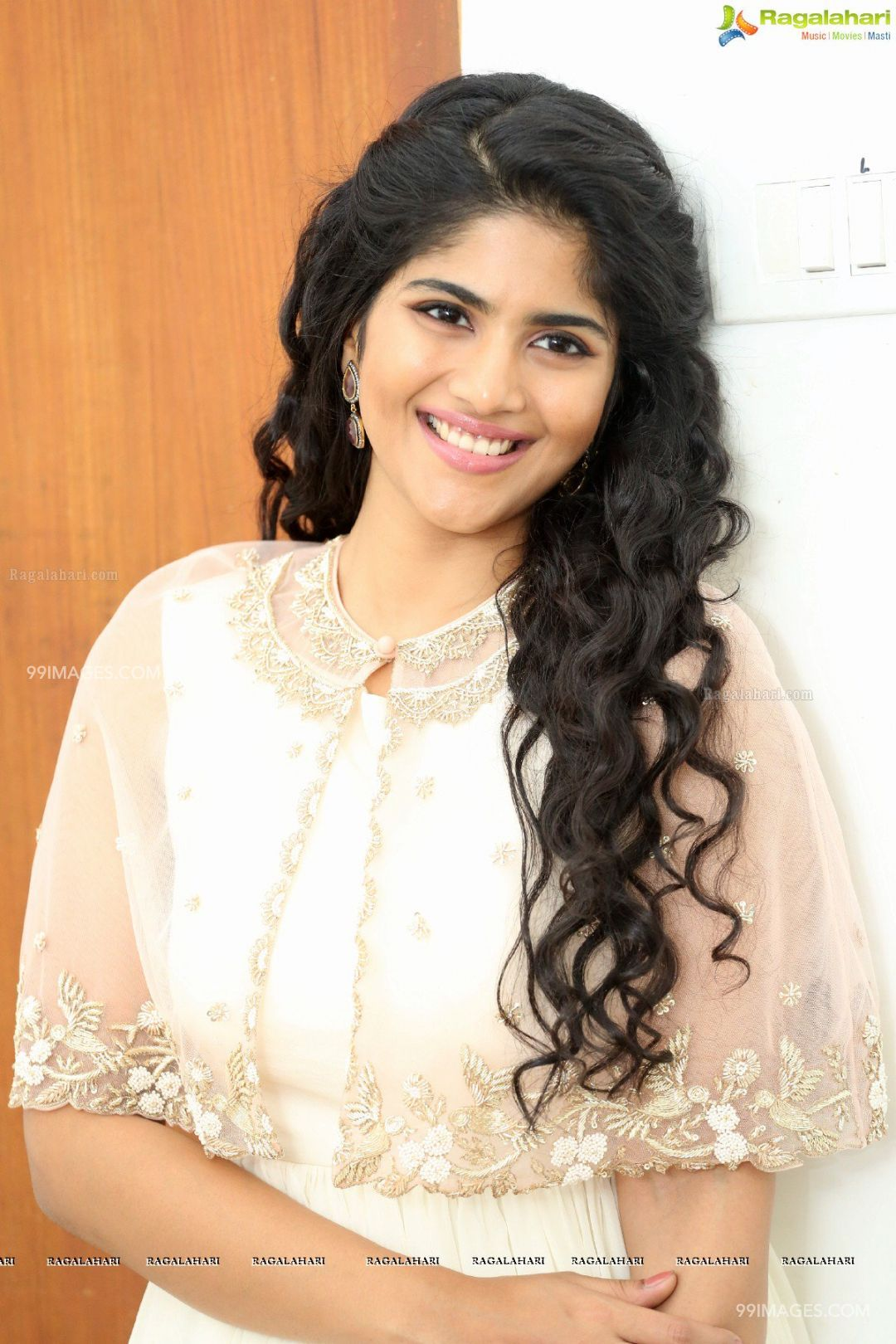 Megha Akash HD Photos & Wallpapers (1080p) (5555) - Megha Akash