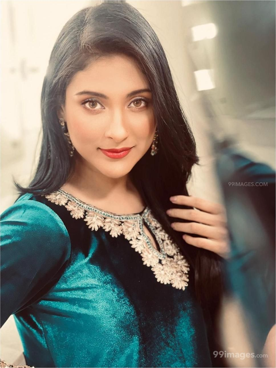Mehazabien Chowdhury Hot Beautiful HD Photos / Wallpapers (1080p) (1073699) - Mehazabien Chowdhury