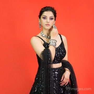 Mehrene Kaur Pirzada Beautiful HD Photoshoot Stills & Mobile Wallpapers HD (1080p)