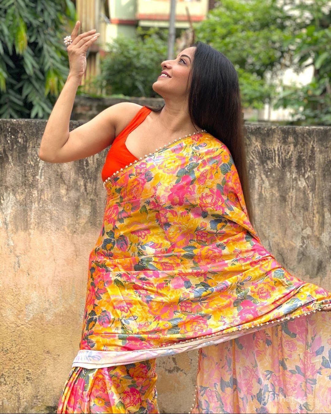 Mona Lisa Hot Beautiful HD Photos / Wallpapers (1080p) (603624) - Mona Lisa (Antara Biswas)