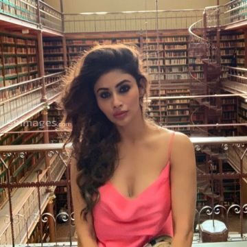 Mouni Roy Beautiful HD Photos & Mobile Wallpapers HD (Android/iPhone) (1080p)