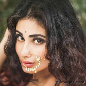 Mouni Roy Cute HD Photos (1080p) - #7638