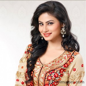 Mouni Roy Cute HD Photos (1080p) - #7640
