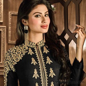 Mouni Roy Cute HD Photos (1080p) - #7625