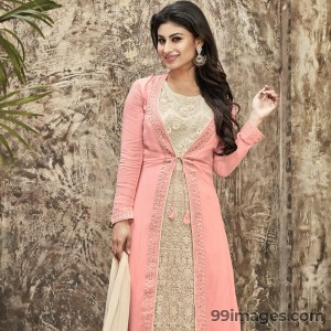 Mouni Roy Cute HD Photos (1080p) - #7634