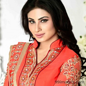 Mouni Roy Cute HD Photos (1080p) - #7622