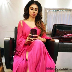 Mouni Roy Cute HD Photos (1080p) - #7635