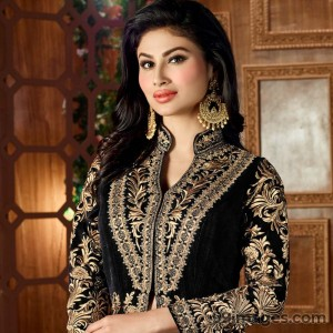 Mouni Roy Cute HD Photos (1080p) - #7624