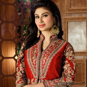 Mouni Roy Cute HD Photos (1080p) - #7623