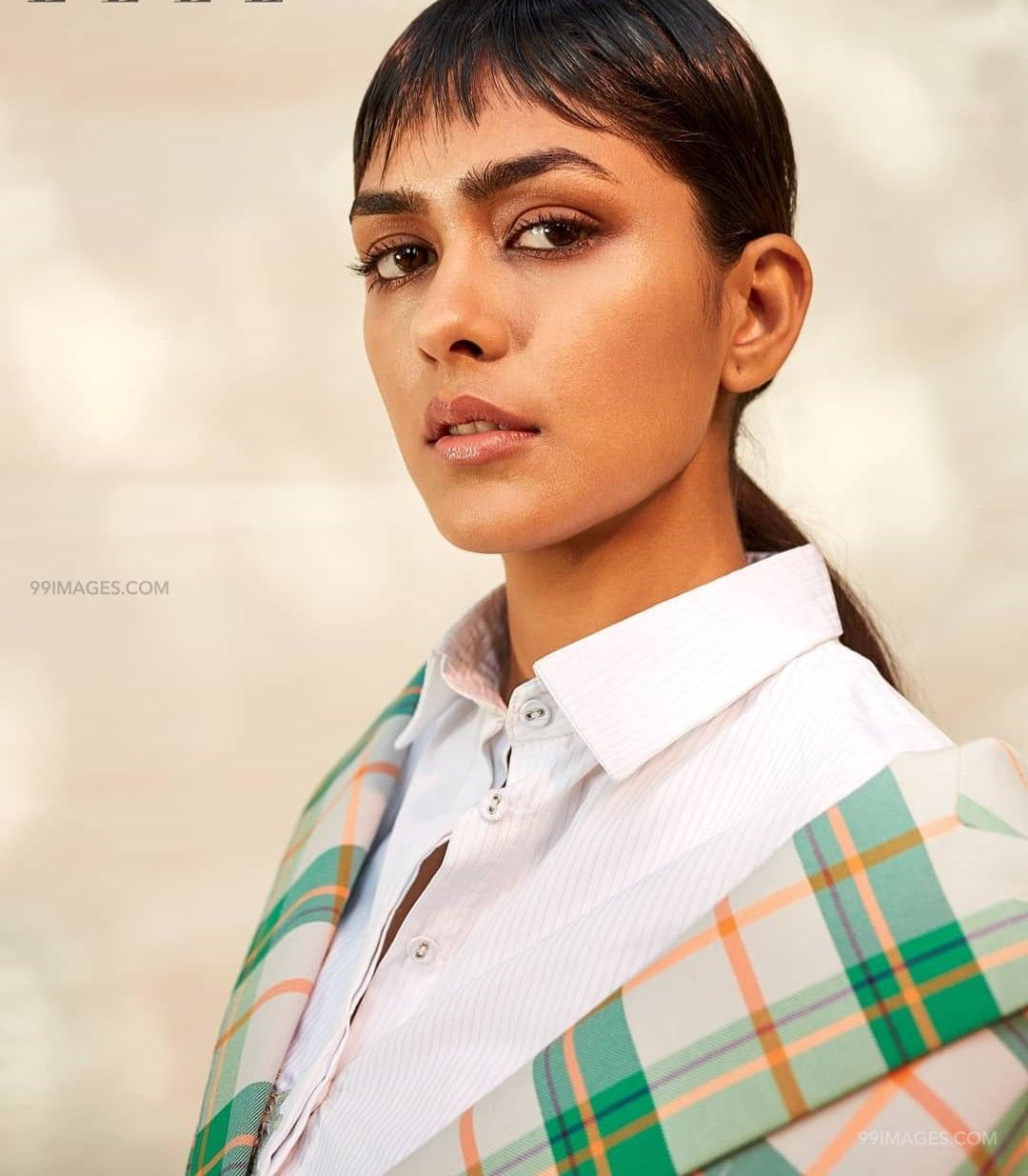 Mrunal Thakur Beautiful HD Photoshoot Stills & Mobile Wallpapers HD (1080p) (39926) - Mrunal Thakur