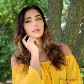 Nargis Fakhri Hot HD Photos & Wallpapers for mobile Download, WhatsApp DP (1080p)