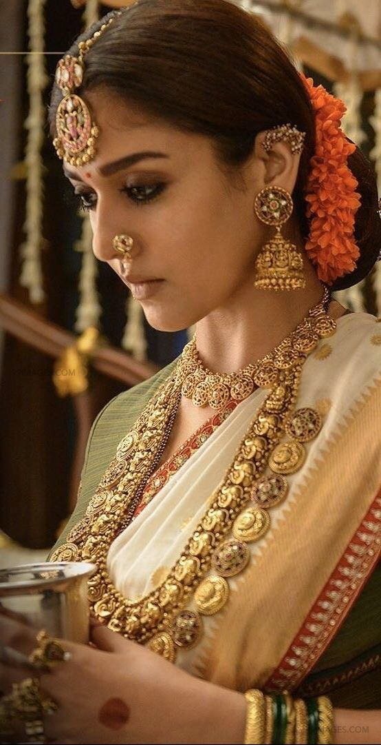Nayanthara Traditional Saree Photos from Sye Raa Narasimha Reddy Movie (HD) (41342) - Nayanthara
