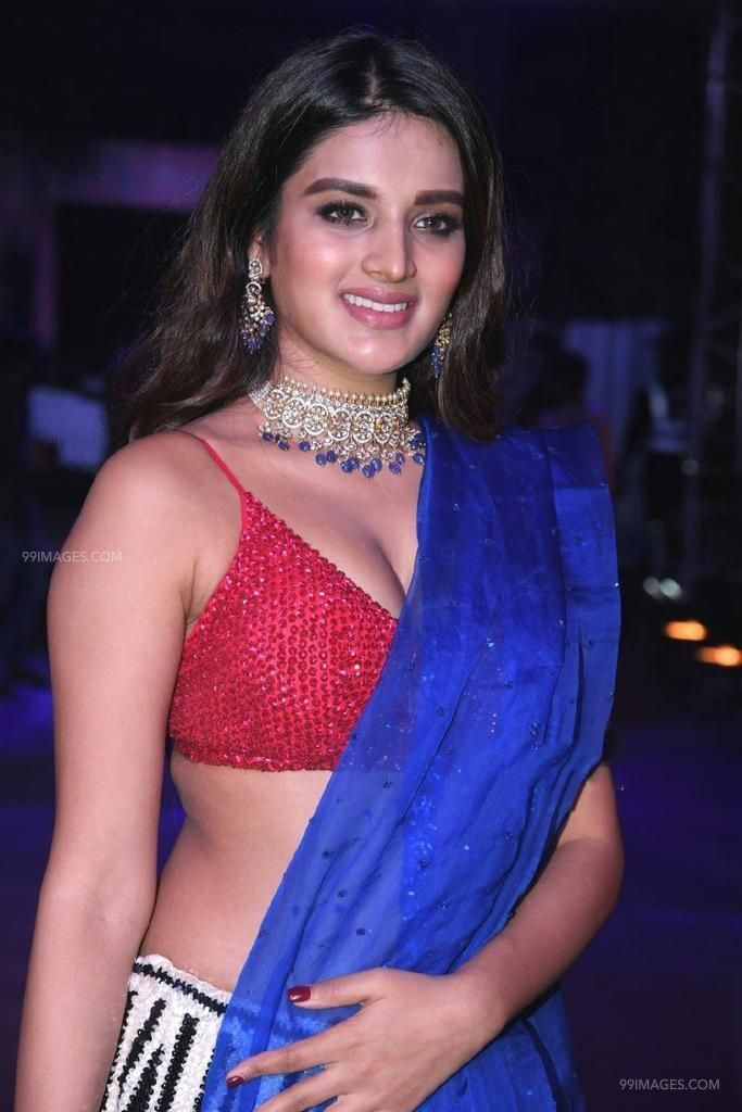 Nidhhi Agerwal Hot HD Stills at Zee Telugu Kutumbam Awards Function (41359) - Nidhhi Agerwal