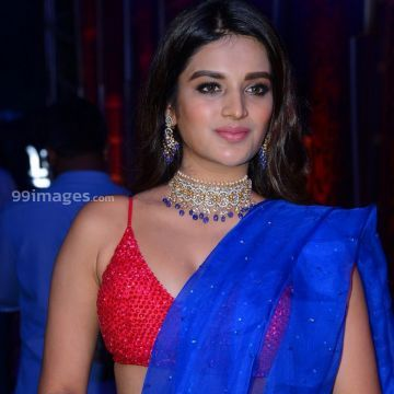 Nidhhi Agerwal Hot HD Stills at Zee Telugu Kutumbam Awards Function