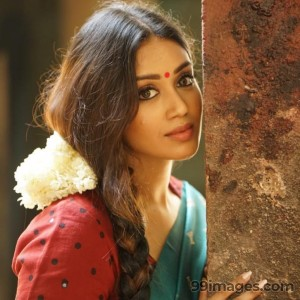 Nivetha Pethuraj Beautiful HD Photoshoot Stills & Mobile Wallpapers HD (1080p) - #19502