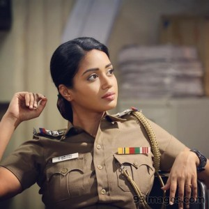 Nivetha Pethuraj Beautiful HD Photoshoot Stills & Mobile Wallpapers HD (1080p) - #19465