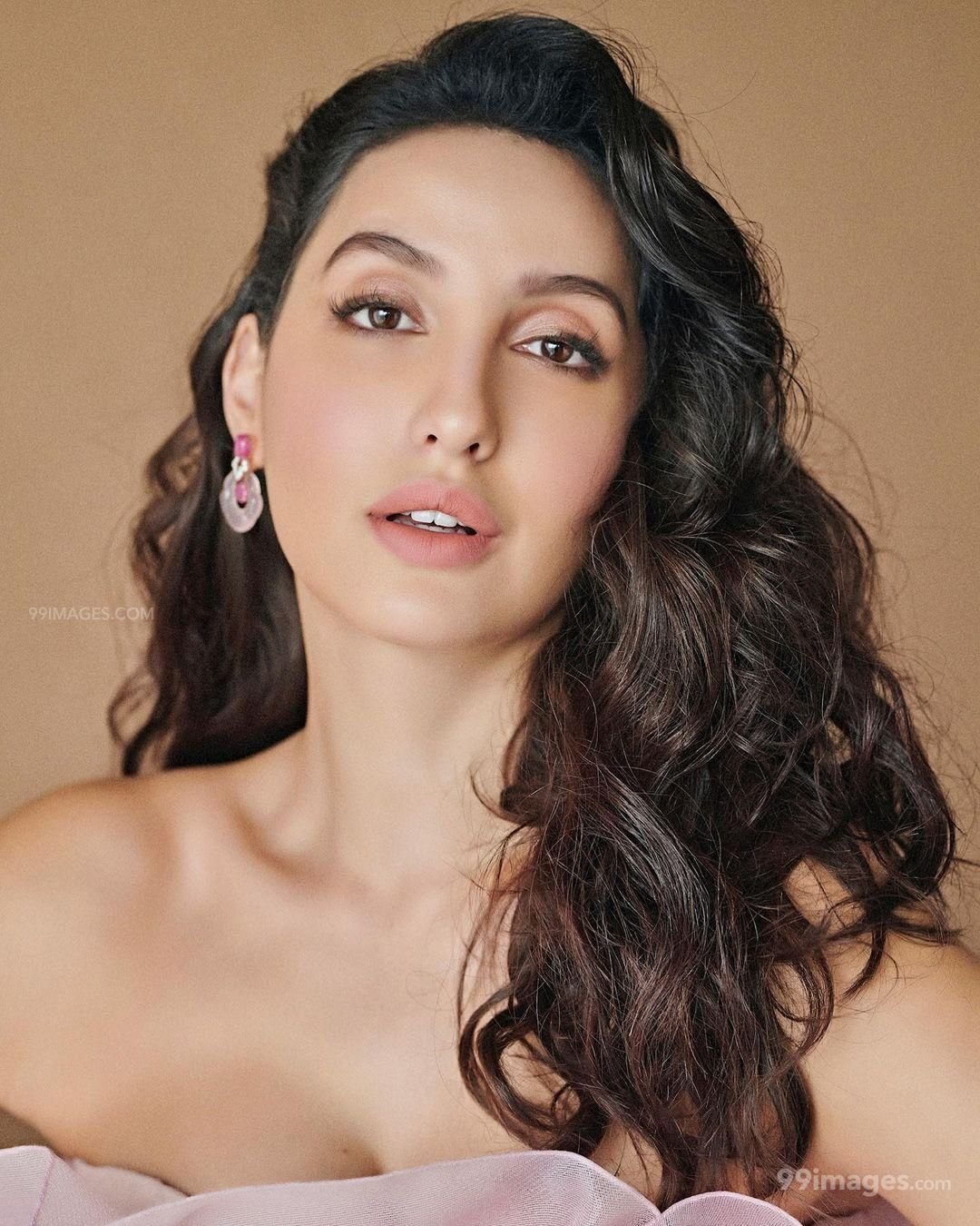 Nora Fatehi Latest Hot HD Photos & Mobile Wallpapers (1080p) (695889) - Nora Fatehi