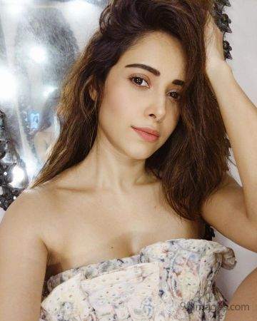 Nushrat Bharucha Hot HD Photos & Wallpapers for mobile, WhatsApp DP (1080p)