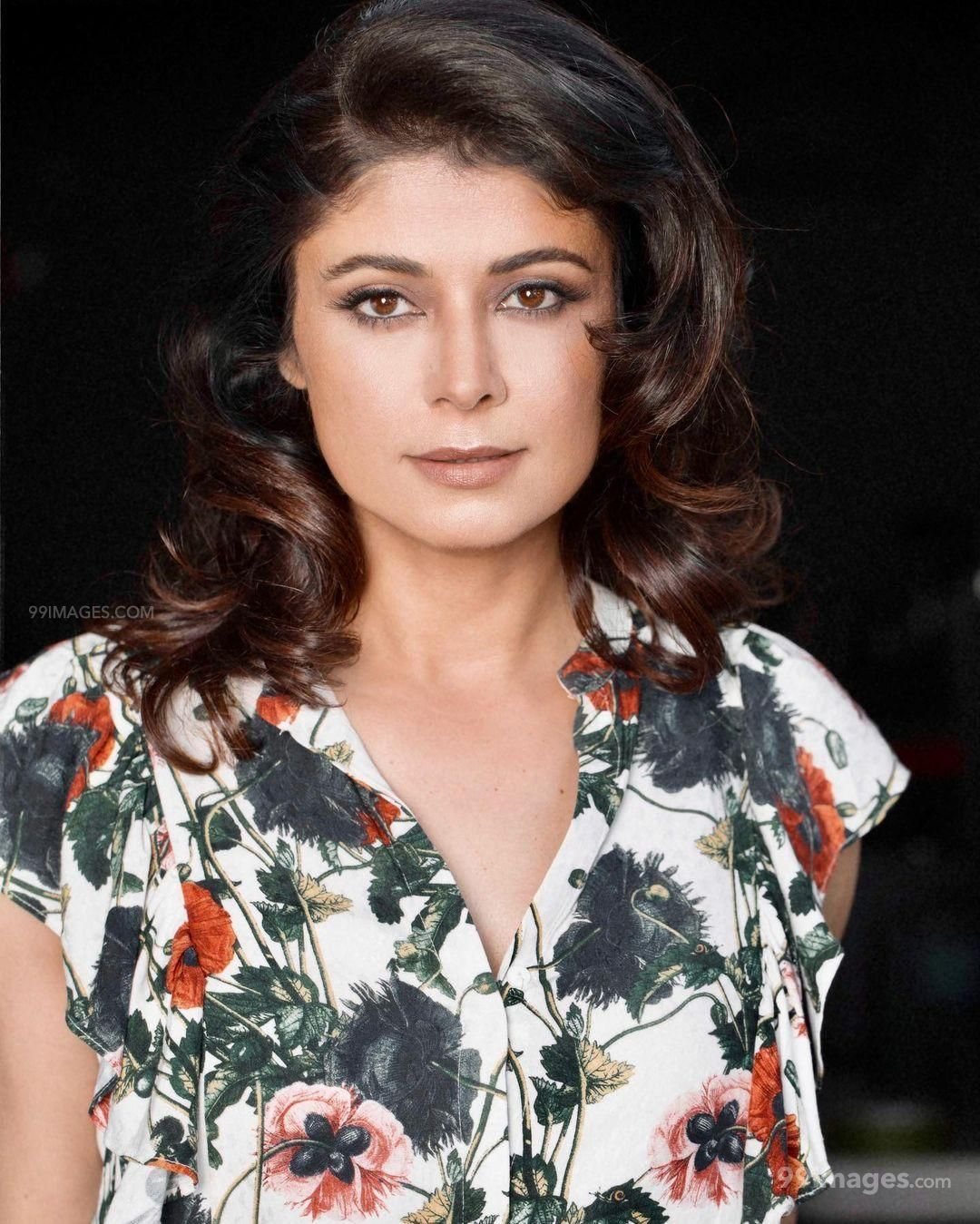 Pooja Batra Beautiful HD Photos & Mobile Wallpapers HD (Android/iPhone) (1080p)