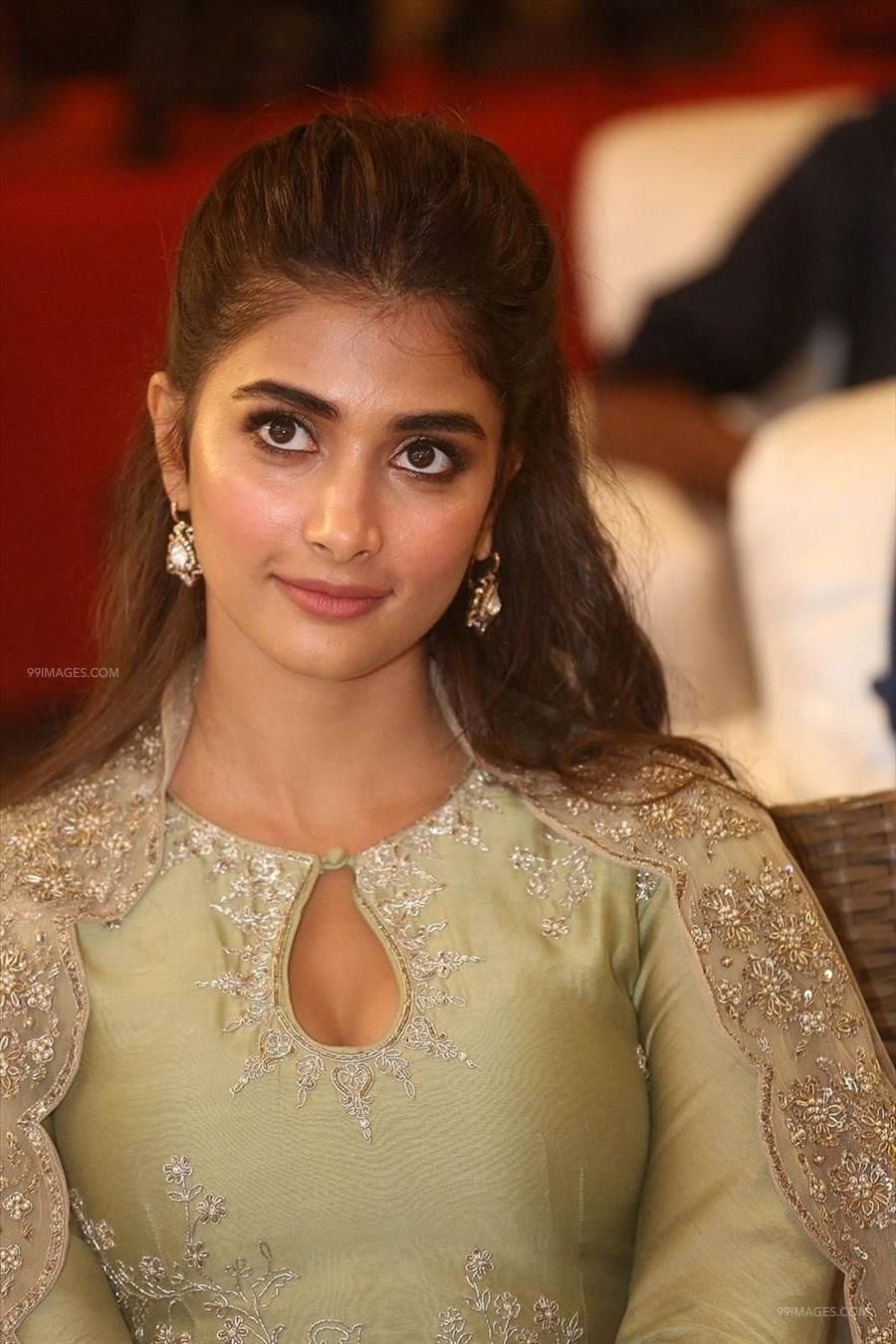 Actress Pooja Hegde at Gaddalakonda Ganesh Success Meet photos HD (1080p) (41253) - Pooja Hegde
