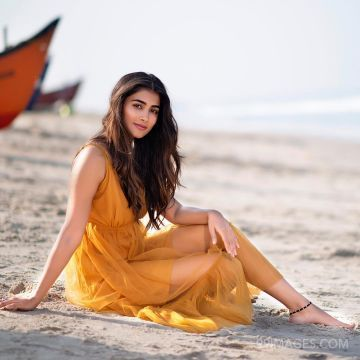 Pooja Hegde Beautiful HD Photoshoot Stills & Mobile Wallpapers HD (1080p)