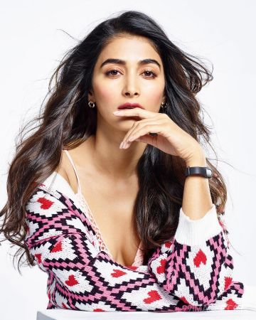 Pooja Hegde Hot HD Photos & Wallpapers for mobile (1080p) (pooja hegde, indian model, actress, hd wallpapers, hd photos)