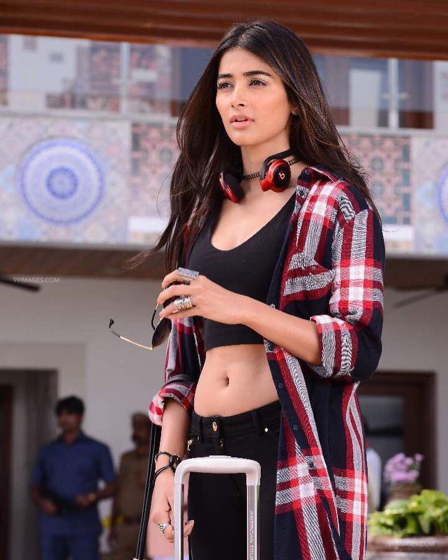 Pooja Hegde Beautiful Photos & Mobile Wallpapers HD (Android/iPhone) (1080p) (20990) - Pooja Hegde