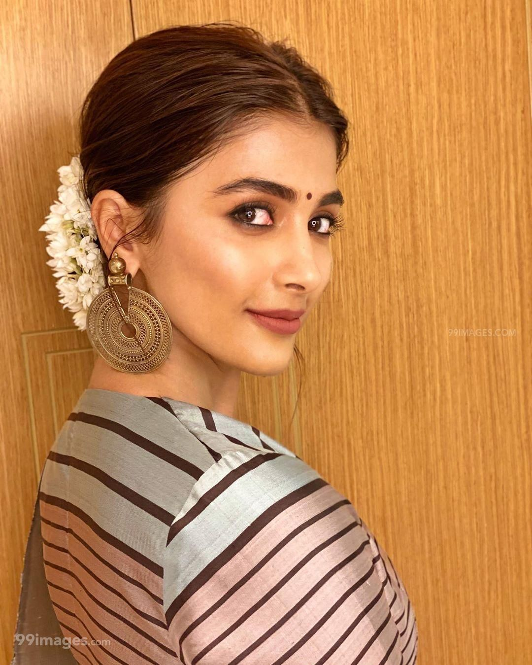 Pooja Hegde Beautiful Photos & Mobile Wallpapers HD (Android/iPhone) (1080p) (294248) - Pooja Hegde