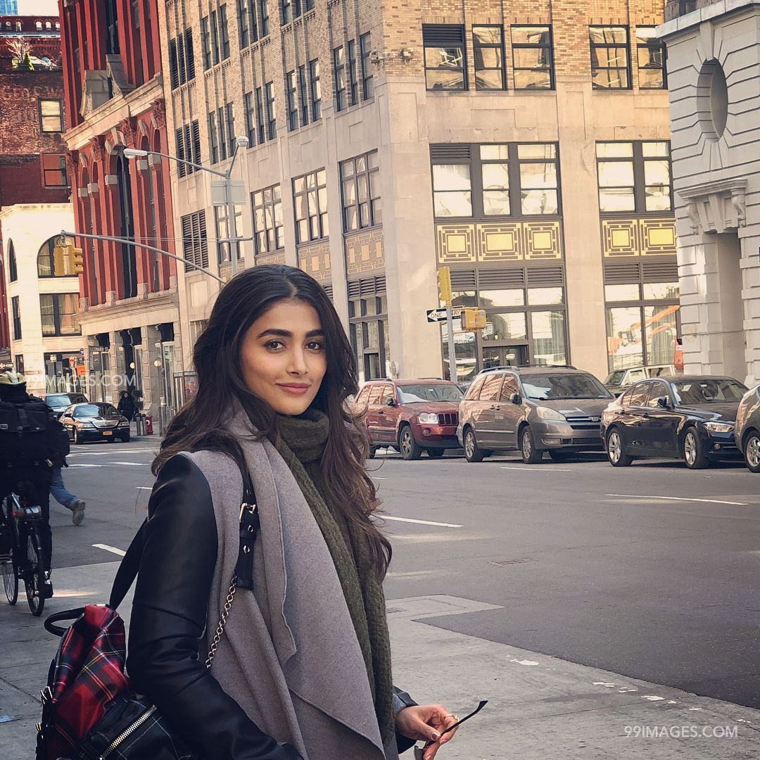 Pooja Hegde Beautiful Photos & Mobile Wallpapers HD (Android/iPhone) (1080p) (21016) - Pooja Hegde