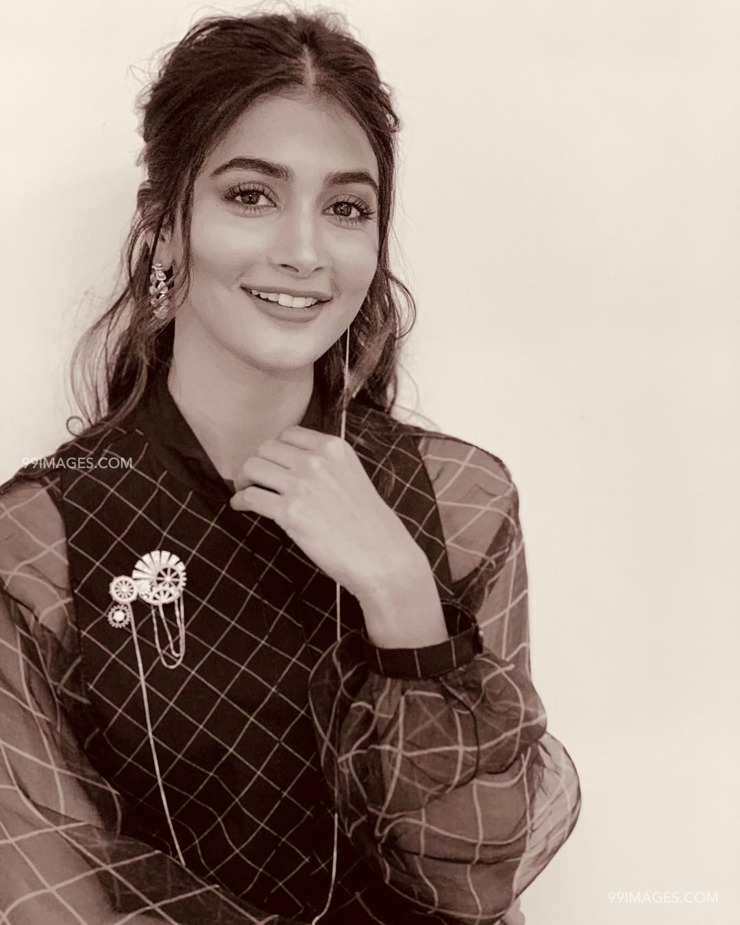 Pooja Hegde Hot HD Photos & Wallpapers for mobile (1080p) (20976) - Pooja Hegde
