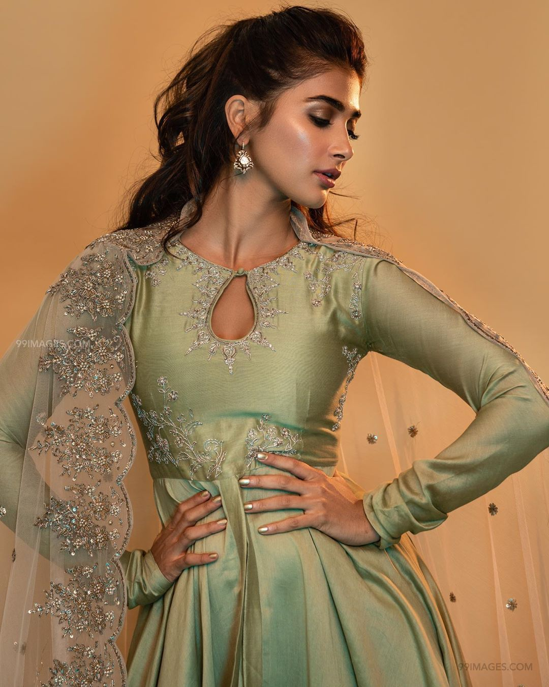 Pooja Hegde Hot HD Photos & Wallpapers for mobile (1080p) (41003) - Pooja Hegde
