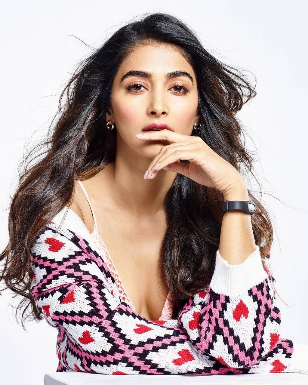 Pooja Hegde Hot HD Photos & Wallpapers for mobile (1080p) (43356) - Pooja Hegde