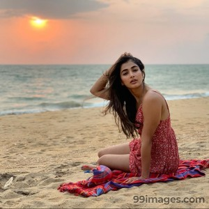 Pooja Hegde Beautiful HD Photoshoot Stills & Mobile Wallpapers HD (1080p) - #20862